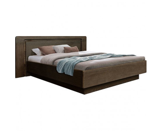 Кровать двуспальная «Хедмарк» с широким изголовьем
