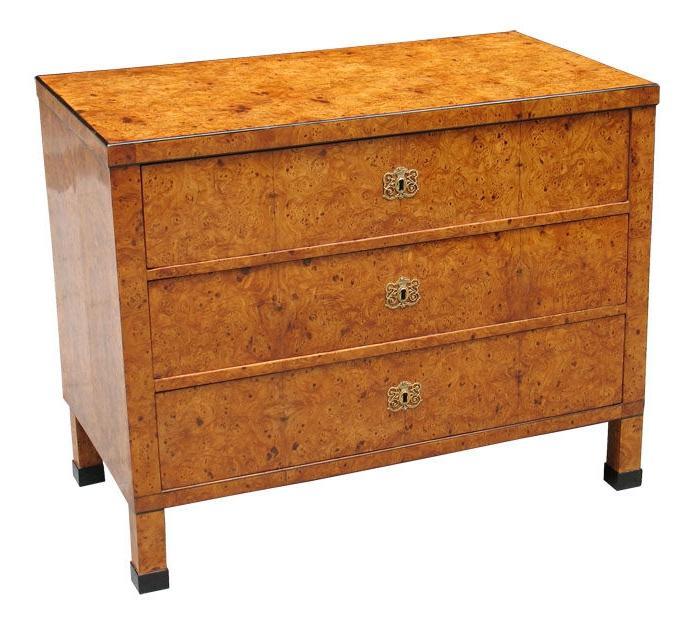 Мебель из карельской березы