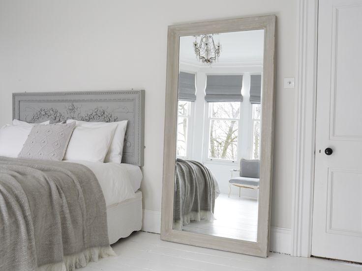 Зеркало в спальню